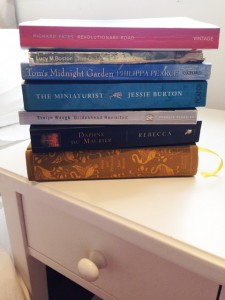 thewordyhouse-co-uk-pile-of-books-about-houses