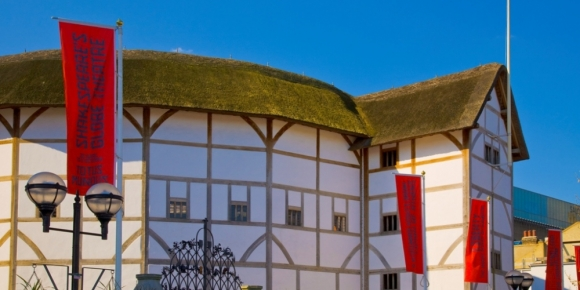 Shakespeare's Globe theatre from the outside